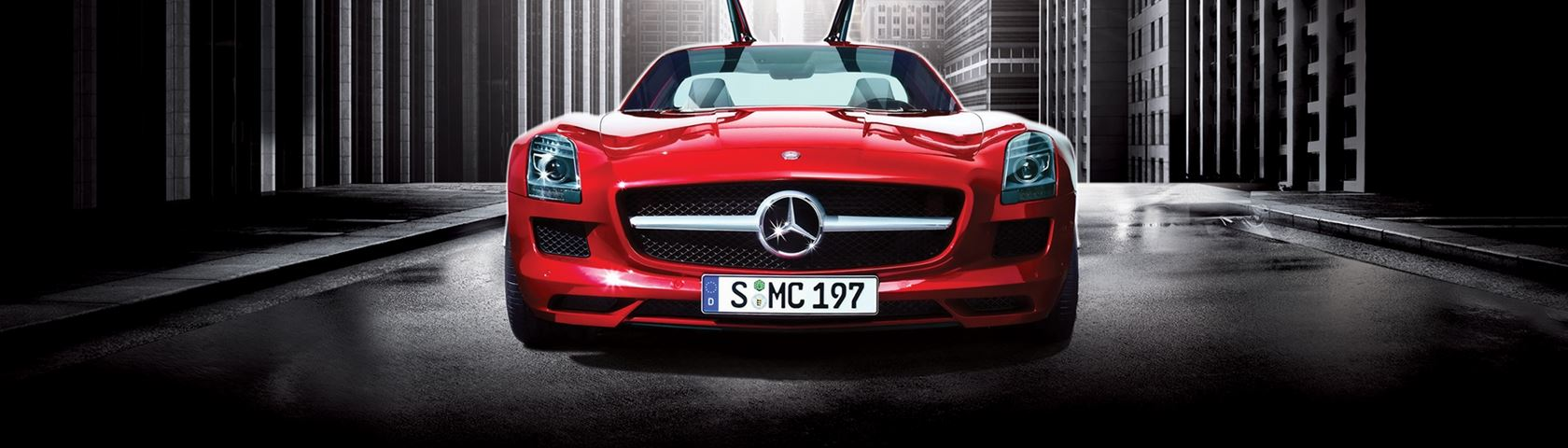Mercedes Gullwing in Red