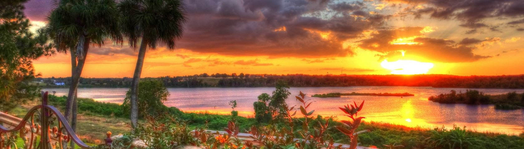 Gorgeous sunset over Lake Apopka in Florida