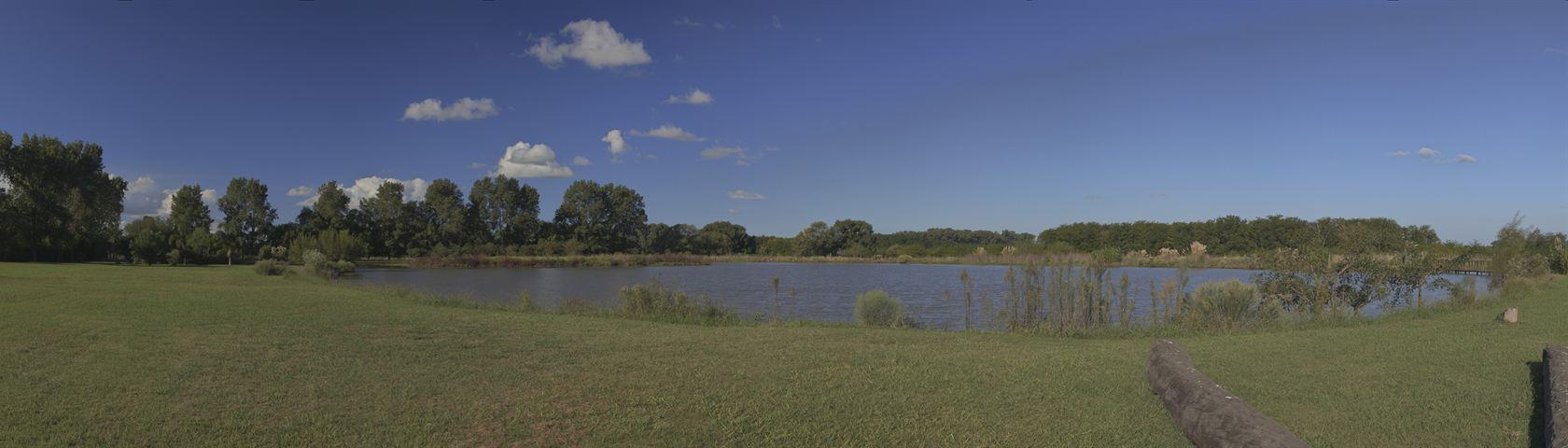 La Reserva de Capilla Lake